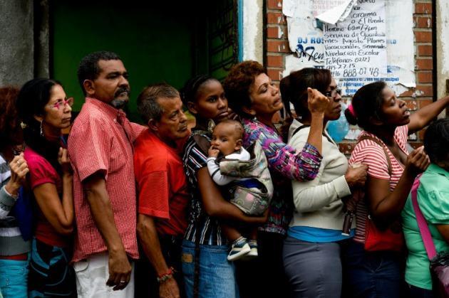 Resultado de imagen de en venezuela pesan el dinero